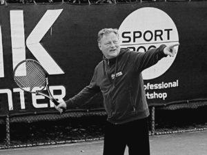 Mark Verra Tennisleraar KSS-3 en KSS-4 Allround, hoofdtrainer mark@tennisagent.eu